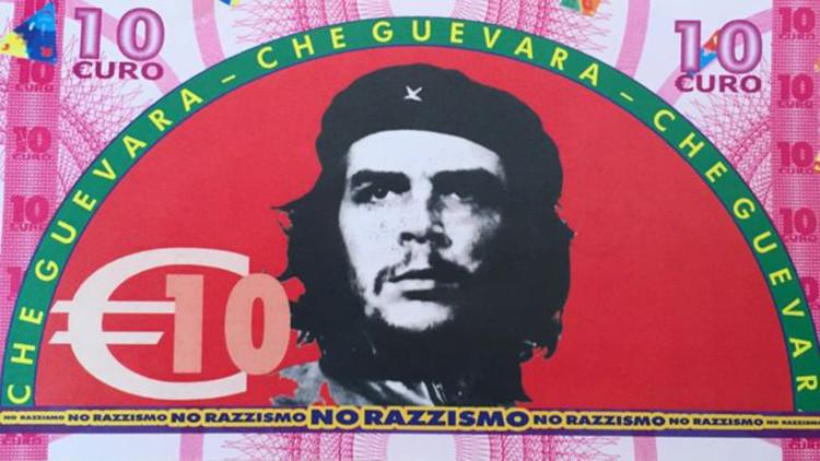 ¿Por qué un pueblo italiano entrega a los refugiados billetes falsos del Che, Chávez y Marx?