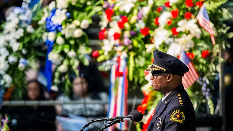 ¿Por qué los veteranos de guerra disparan contra los policías en EE.UU.?