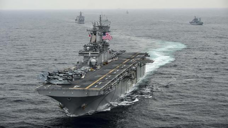 """¿Camino a """"un desastre""""? EE.UU. promete seguir con sus operaciones en el mar de la China Meridional"""