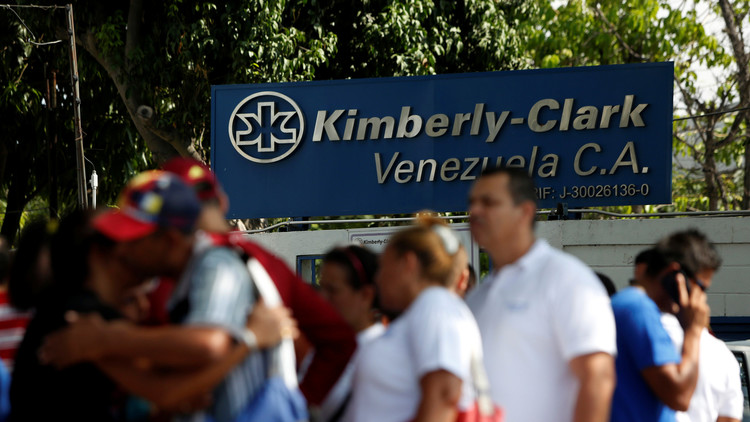 "Venezolanos que ocupan Kimberly Clark a RT: ""Ninguna persona de la empresa nos dio la cara"""
