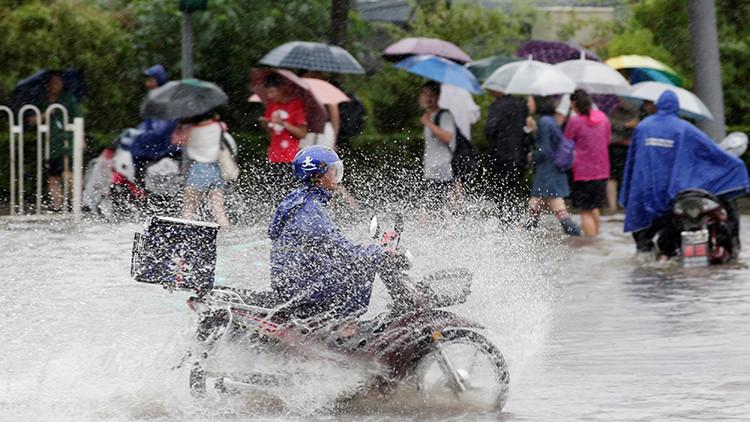China: 13 muertos y  numerosos heridos por las fuertes lluvias, y lo peor está por llegar (fotos)
