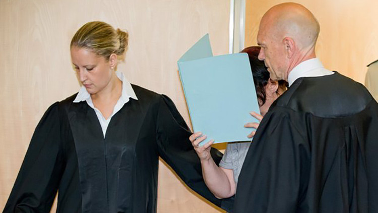 'Matabebés' alemana va a la cárcel sin poder enumerar a cuántos de sus hijos mató