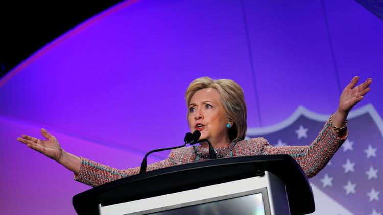 """Hillary Clinton ahora """"trina"""" en español para conquistar el voto latino"""