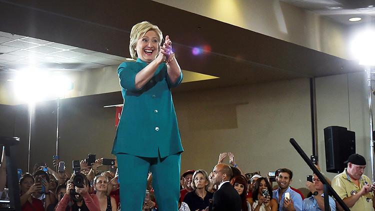 Del encarcelamiento al fusilamiento: La retórica violenta contra Hillary Clinton cobra impulso