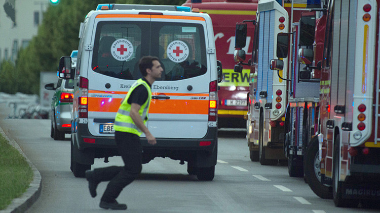 Video impactante: Unos médicos tratan a los heridos tras el tiroteo en Múnich