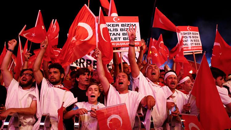 Irán ve la mano de Arabia Saudita en el fallido golpe militar en Turquía