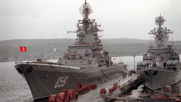Acorazado de EE.UU. contra crucero soviético: ¿quién vencería en una batalla naval épica?