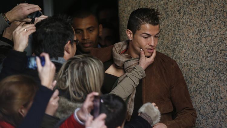 """""""Un animal"""":  Cristiano Ronaldo 'desafía' en el ring a un peleador de UFC (FOTOS)"""
