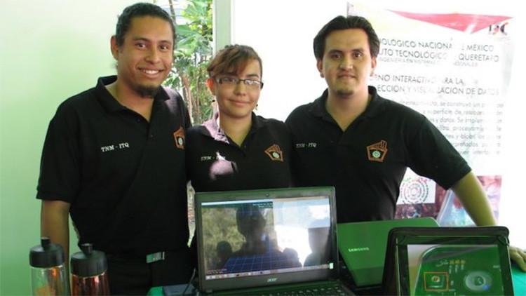 Estudiantes mexicanos crean un revolucionario traductor del lenguaje de señas