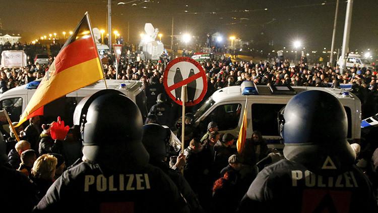 La aparición de falsas escenas de crimen en estaciones alemanas disparan el miedo a los inmigrantes