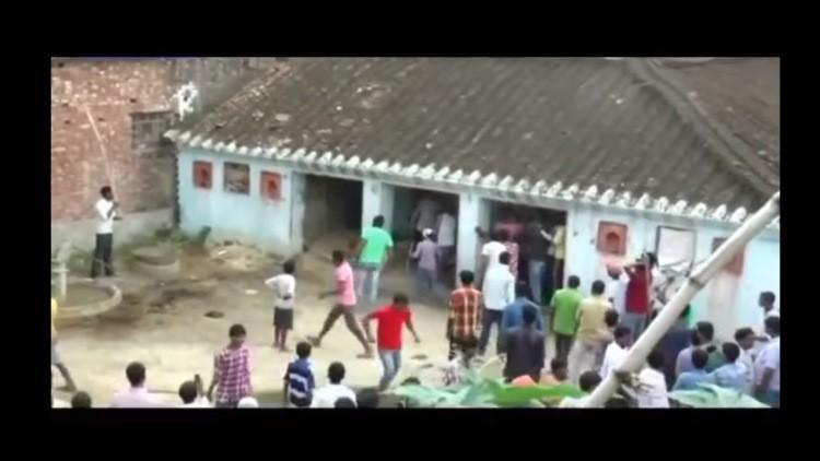 Video espeluznante: Un leopardo ataca a los habitantes en un pueblo indio