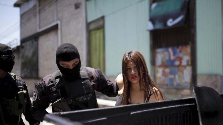 Vivir y morir entre maras: Cómo las pandillas dominan a la sociedad en El Salvador