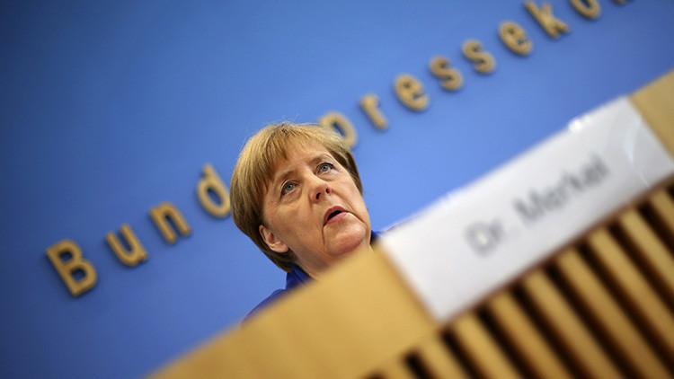 Merkel: Los atacantes refugiados se burlan de Alemania, pero la política migratoria no cambiará