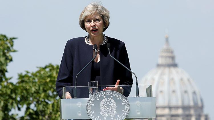Theresa May confiesa si usaría armas nucleares contra Rusia