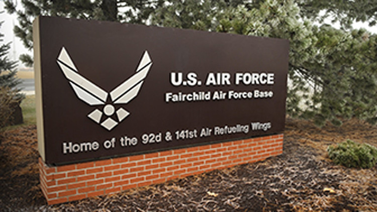 Alerta en la base aérea estadounidense Fairchild por una sustancia peligrosa
