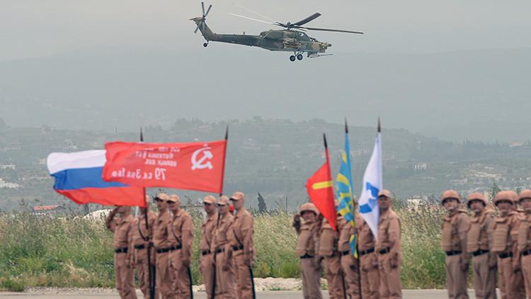 Videos: Helicópteros de Rusia y Siria llevan a cabo una gran operación humanitaria en Alepo