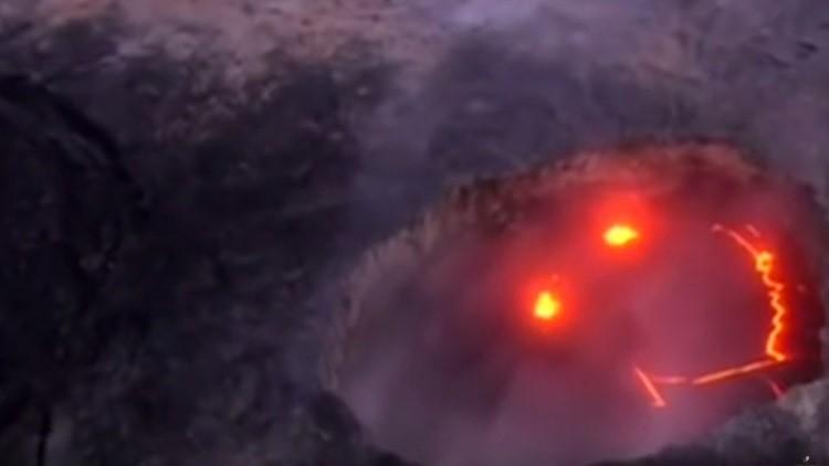 Video: Un volcán en Hawái muestra su 'rostro sonriente'