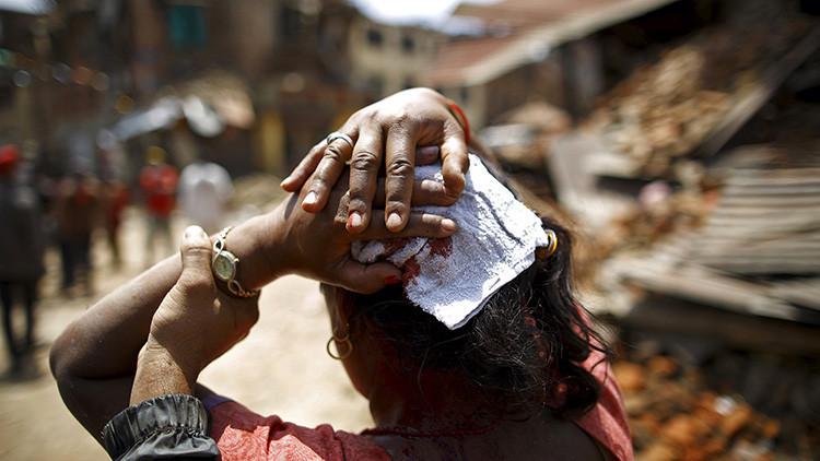 Una mujer herida tras el terremoto en Nepal, el 12 de mayo de 2015