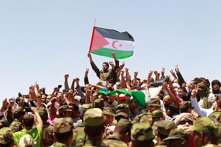 Saharauis durante el funeral del presidente de la República Árabe Saharaui Democrática (RASD) y líder histórico del Frente Polisario Mohamed Abdelaziz.