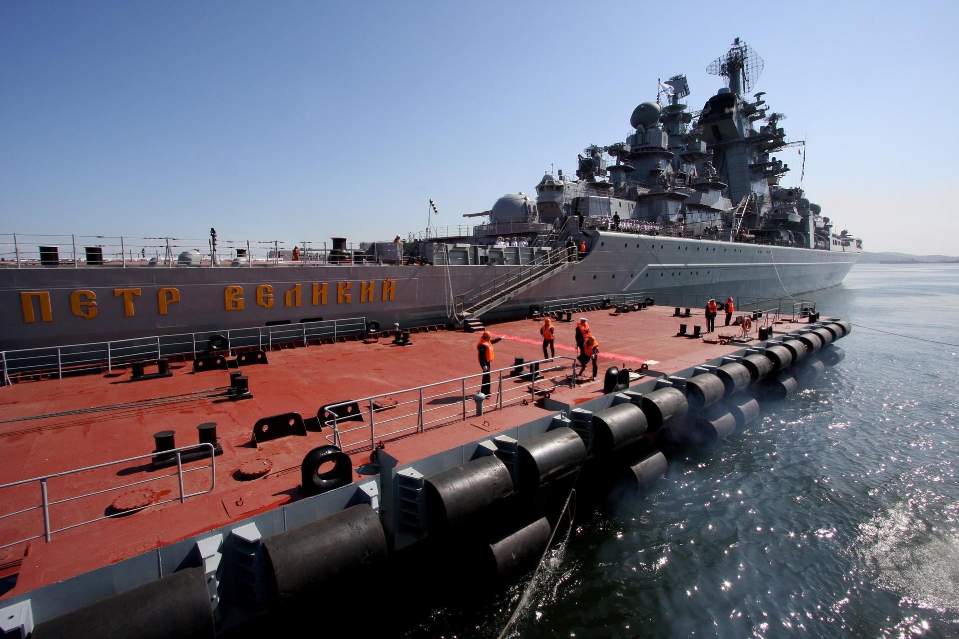 crucero Piotr Velikiy