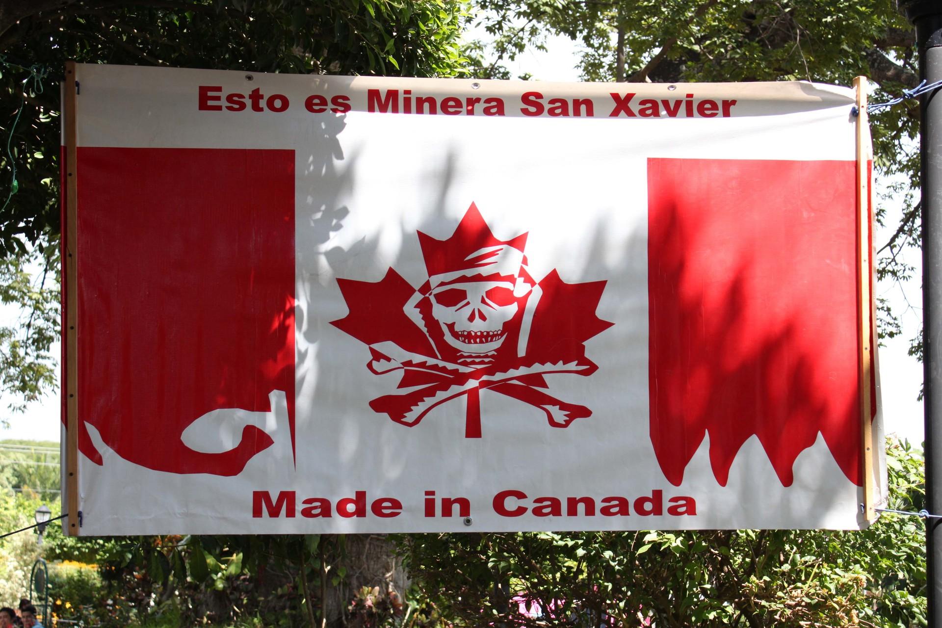 Manta contra minería en San Luis Potosí.