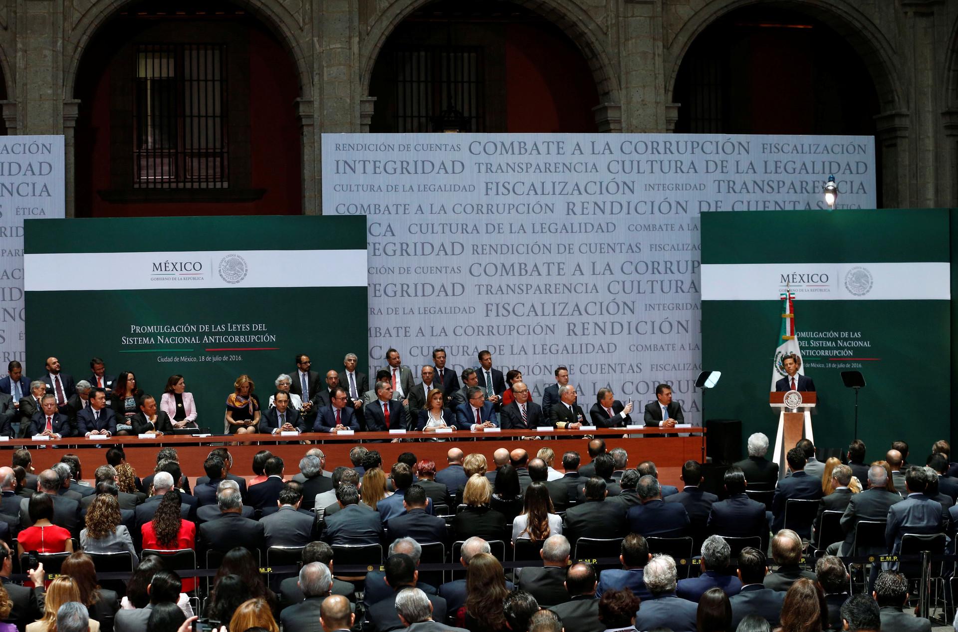 El presidente de México, Enrique Peña Nieto, durante la promulgación de la Ley Nacional Anticorrupción, el 18 de julio de 2016