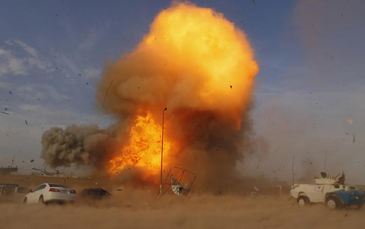 Un coche bomba explota en Bagdad, Irak.