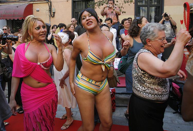 барделях фото проститутки барселоны в