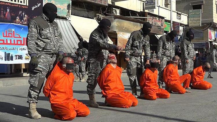 Terroristas del Estado Isámico decapitan a futbolistas sirios en plena calle de Raqqa