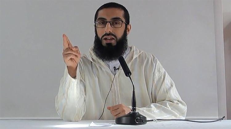 Ali Hammuda, un imam —predicador del islam— que dirige las oraciones colectivas en la mezquita Al-Manar ubicada en Cardiff, la capital de Gales