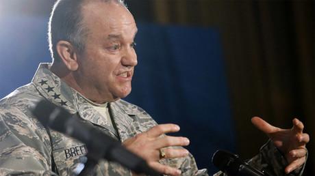 Phillip Breedlove, excomandante supremo de las fuerzas de la OTAN en Europa