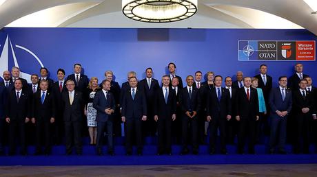Los líderes de la cumbre de la OTAN se reúnen este 8 de julio para una foto de familia antes de una cena de trabajo en el Palacio Presidencial en Varsovia