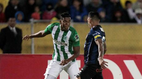 Orlando Berrio de Atletico Nacional y Cristian Nunez de Independiente del Valle