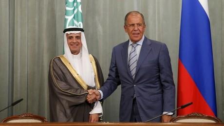 El ministro ruso de Exteriores, Serguéi Lavrov, y su homólogo saudita, Adel al-Jubeir