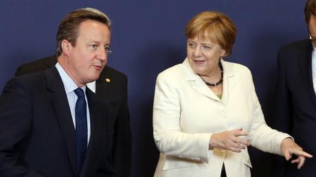 El ex primer ministro del Reino Unido, David Cameron, y la canciller de Alemania, Angela Merkel, durante la cumbre de la Unión Europea en Bruselas, Bélgica, 28 de junio de 2016.
