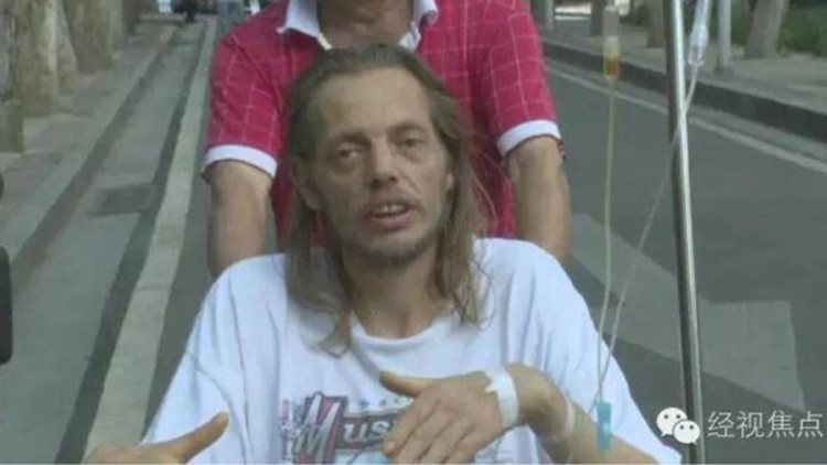 Un holandés es hospitalizado tras pasar 10 días en un aeropuerto esperando a su cita a ciegas
