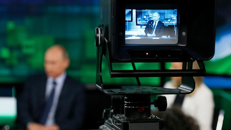 'The Guardian': Occidente ve propaganda solo en Rusia, pero no la ve en casa