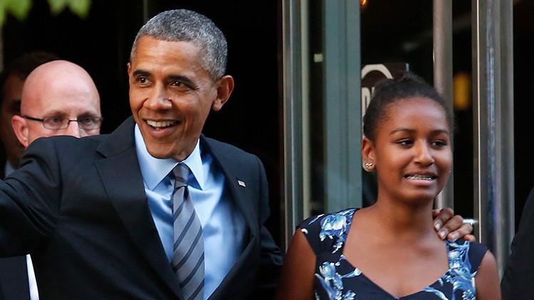 Lección de humildad: la hija menor de Obama trabaja en una marisquería (foto)