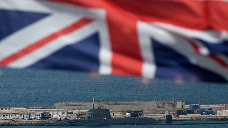 """""""Buques de guerra de la Armada Real deben ser enviados a Gibraltar para protegerlo de España"""""""