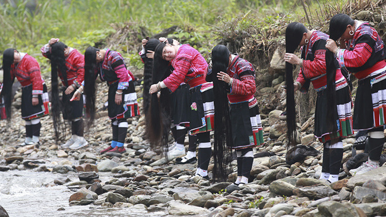 Rapunzeles chinas: Conozca el pueblo con el cabello más largo del mundo (Fotos)