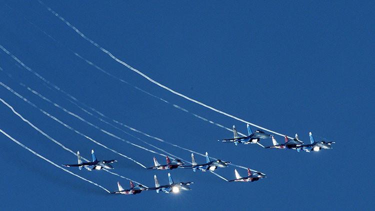 Aeronaves militares de varios países muestran sus habilidades en un concurso en Rusia