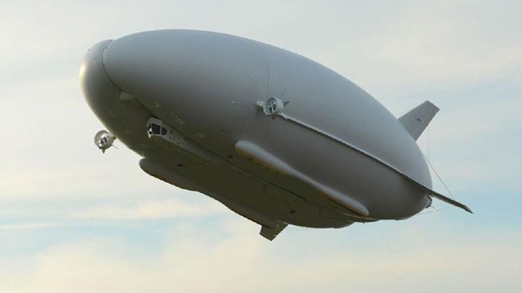 'El Trasero Volador' sale por primera vez de su hangar para una serie de pruebas