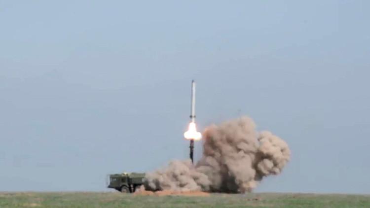 Movilizan una unidad de misiles equipada con los complejos de misiles Iskander en Rusia