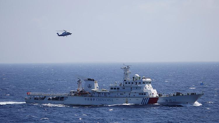 China, entre dos aguas: Condenada a afrontar un doble frente, mientras crece la tensión en la región