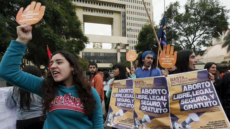 Una niña de 11 años que fue violada y no puede abortar en Chile