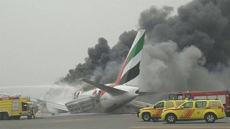 El hombre más afortunado: Se salva de un avión en llamas y gana un millón de dólares en pocos días