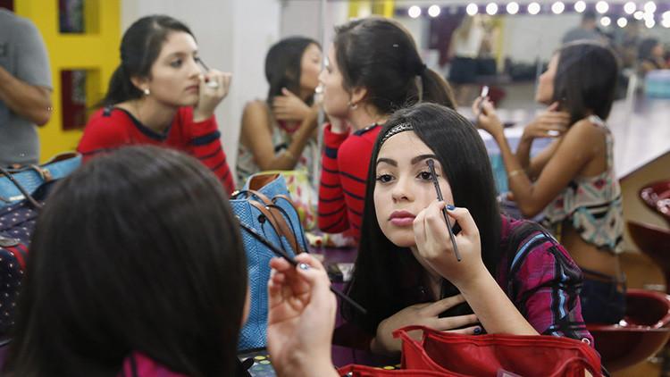 ¿Antes muerta que sencilla? Las venezolanas se reinventan para estar bellas en medio de la crisis