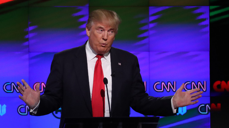 A capa y espada: La CNN le lleva la contraria a Trump para defender a Obama (Fotos)