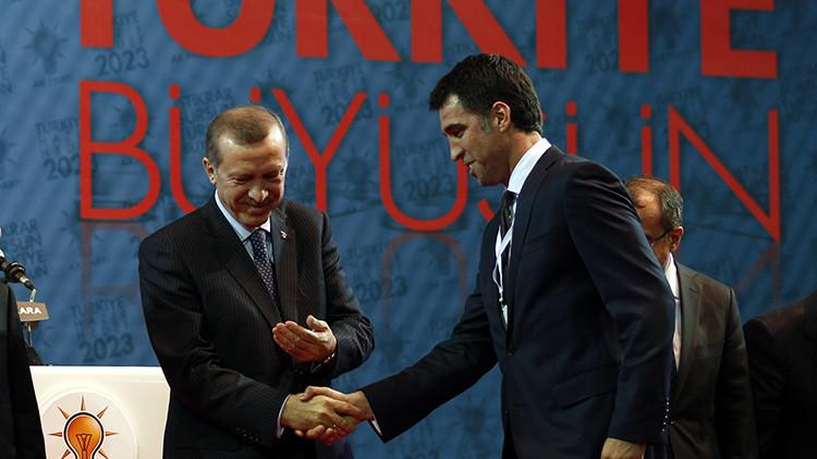 Turquía ordena la detención de uno de sus íconos futbolísticos