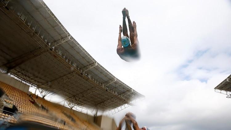 El equipo de natación sincronizada de Brasil durante un entrenamiento en Río de Janeiro, Brasil, el 20 de mayo de 2016.